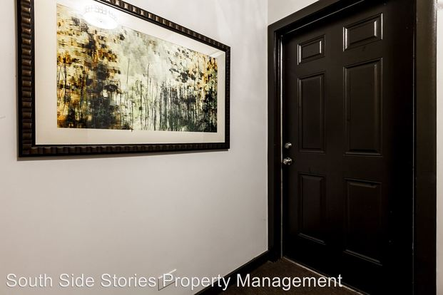 2 Bedrooms 2 Bathrooms Apartment for rent at 4348 58 Prairie Ave & 218 24 44th St in Chicago, IL