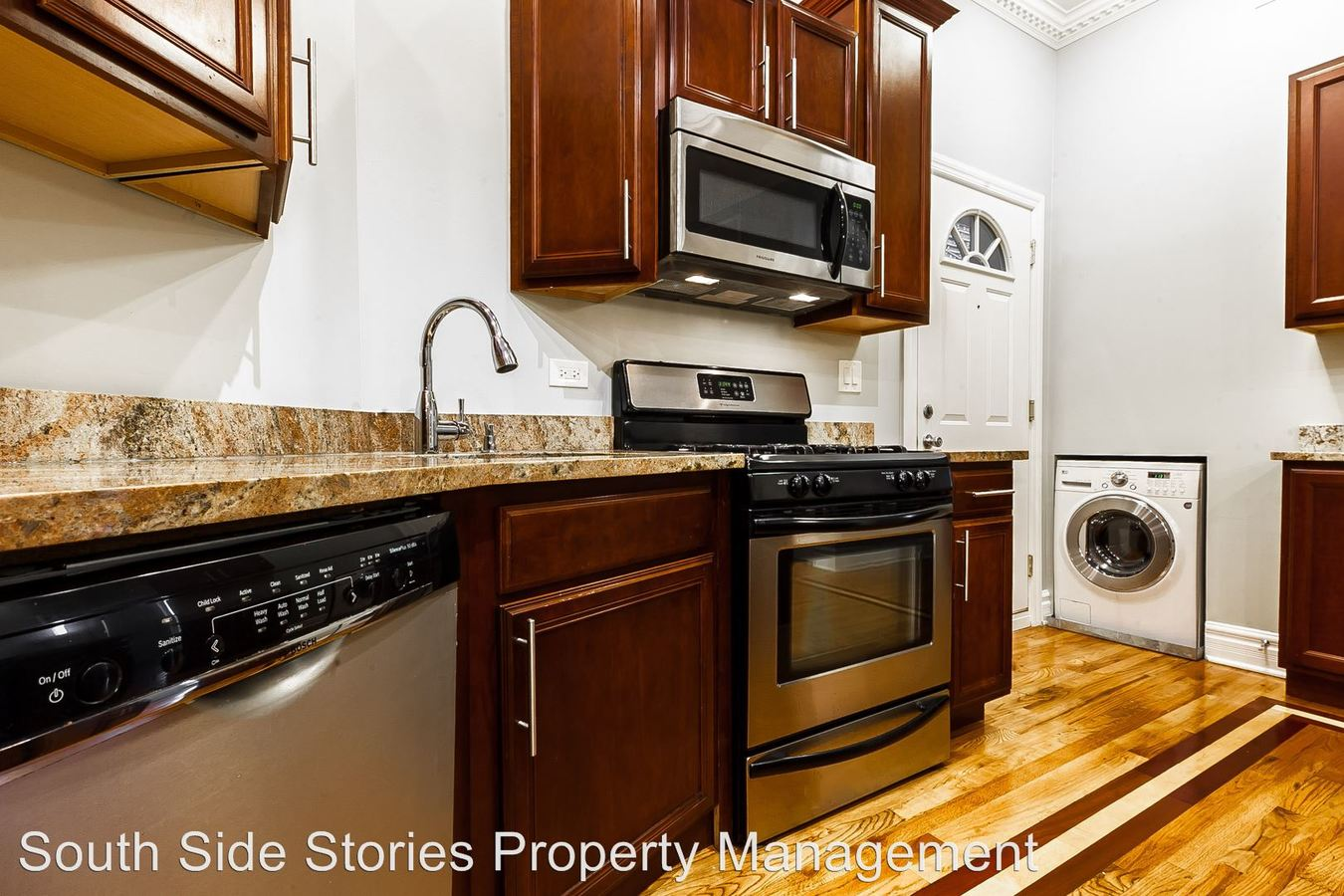 2 Bedrooms 2 Bathrooms Apartment for rent at 4852 S Prairie Ave Hoa in Chicago, IL