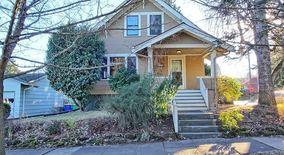 Similar Apartment at 7604 Se Morrison Street