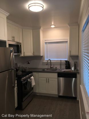 2 Bedrooms 2 Bathrooms Apartment for rent at 530 Chestnut Street in San Carlos, CA