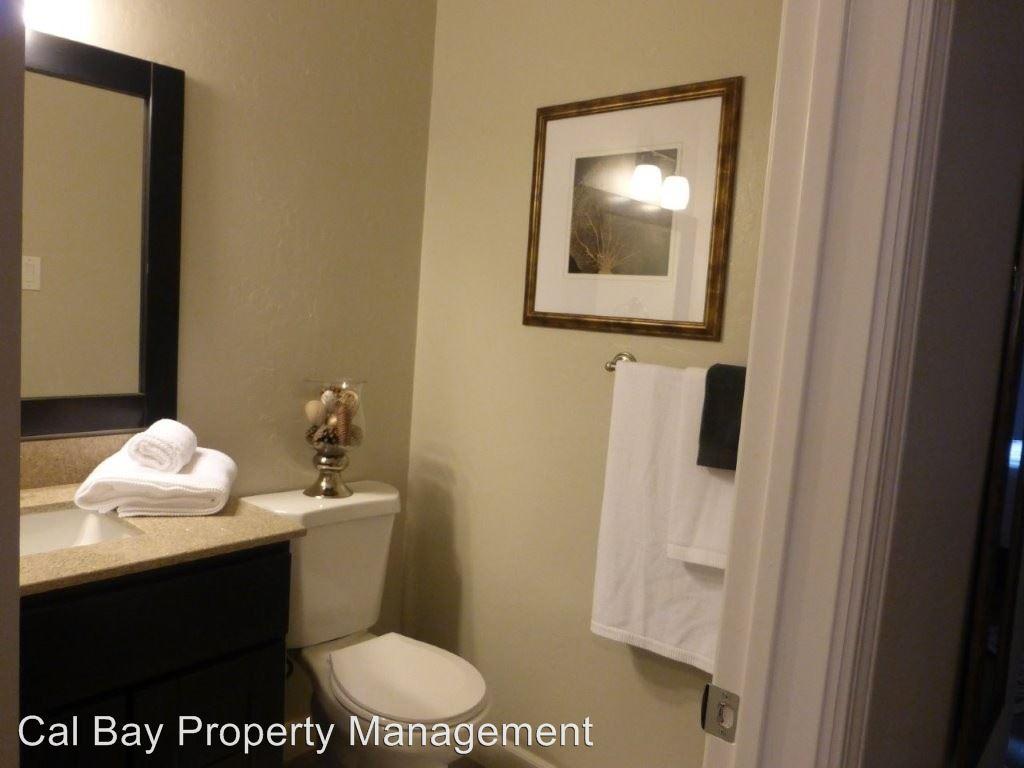 Studio 1 Bathroom Apartment for rent at 1111 Douglas Avenue in Burlingame, CA