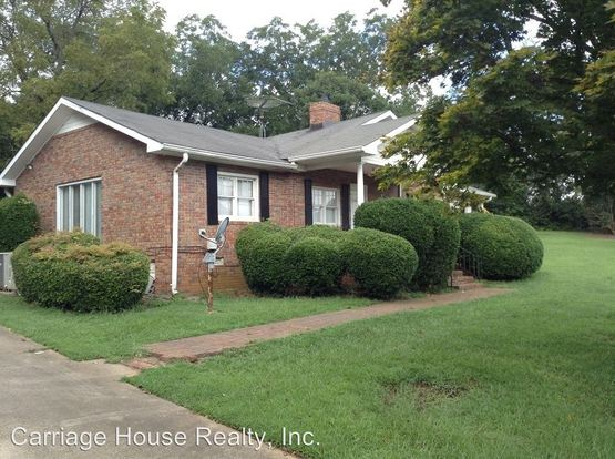 4 Bedrooms 3 Bathrooms Apartment for rent at S. Milledge Ave in Athens, GA