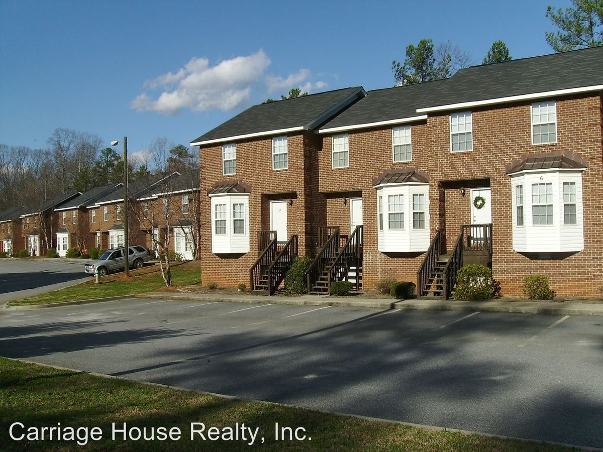 3 Bedrooms 3 Bathrooms Apartment for rent at 780 Gaines School Road in Athens, GA