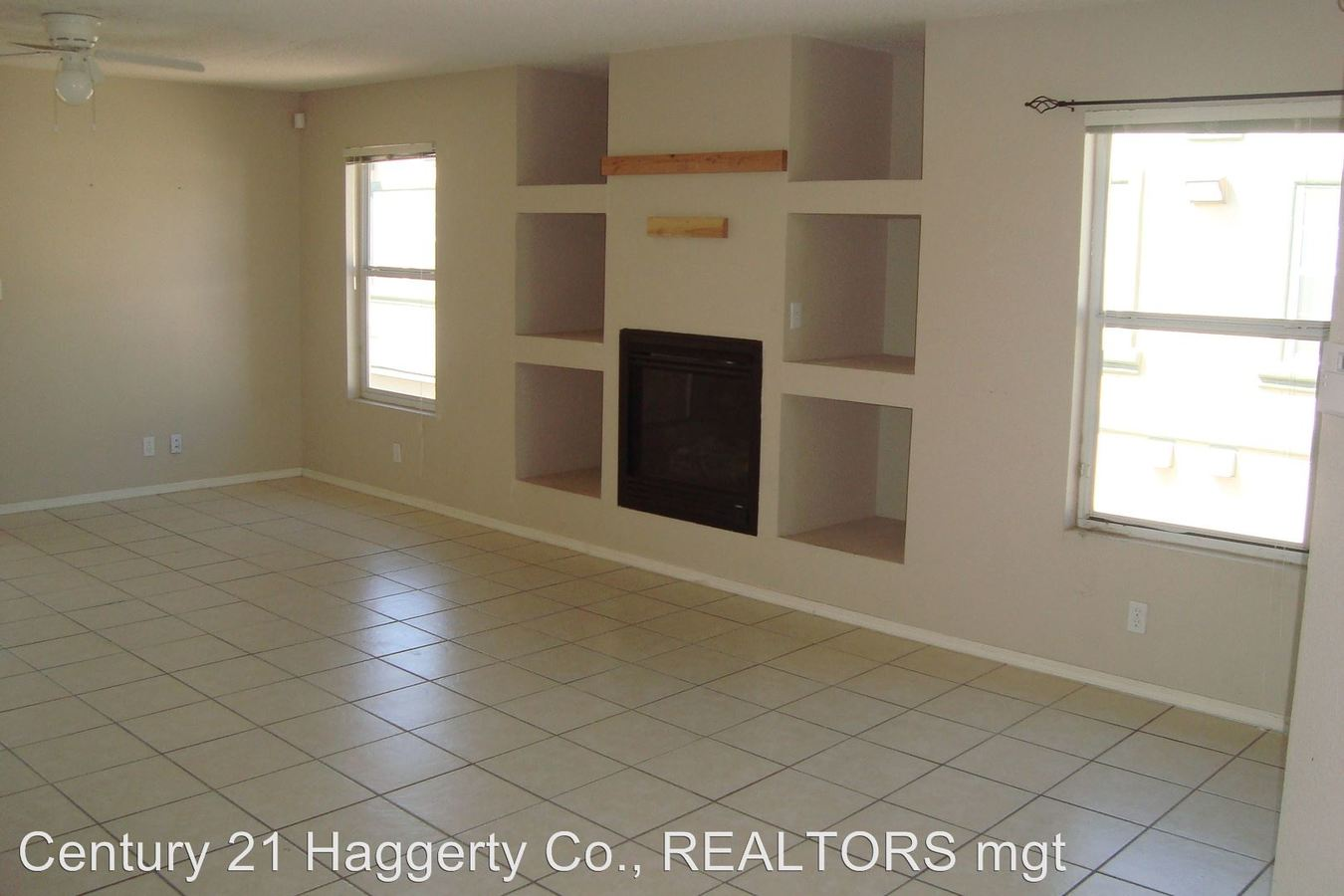 3 Bedrooms 2 Bathrooms Apartment for rent at 5064 Salem in El Paso, TX
