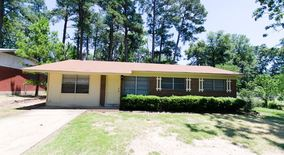 3702 Forestwood