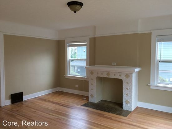 2 Bedrooms 1 Bathroom Apartment for rent at 1955 Nw Raleigh in Portland, OR