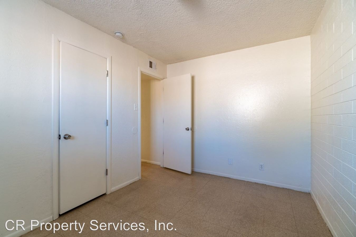 2 Bedrooms 1 Bathroom Apartment for rent at 405 N 40th Ave in Phoenix, AZ