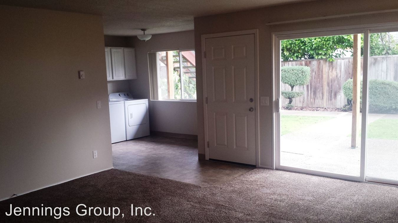 2 Bedrooms 1 Bathroom Apartment for rent at 670 E 15th Ave Units 1-8 (harrison) in Eugene, OR