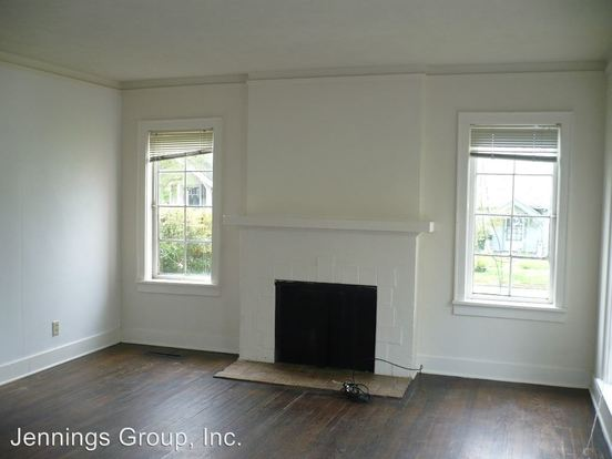7 Bedrooms 2 Bathrooms Apartment for rent at 712 & 712 1/2 East 16th in Eugene, OR