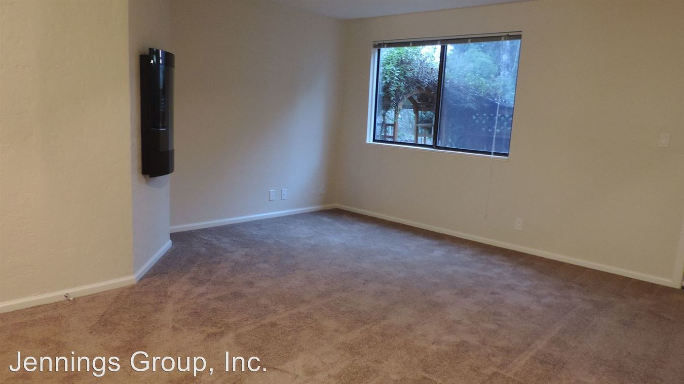 2 Bedrooms 1 Bathroom Apartment for rent at The Kentfield Apartments 601 Country Club Road in Eugene, OR