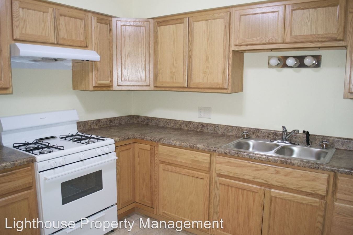 2 Bedrooms 1 Bathroom Apartment for rent at 636 36th St Sw in Wyoming, MI