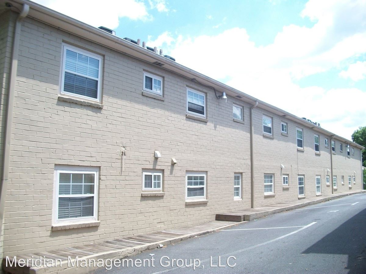 2 Bedrooms 1 Bathroom Apartment for rent at 1003 Washington Street Sw in Atlanta, GA