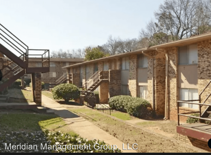 2 Bedrooms 1 Bathroom Apartment for rent at 4685 Courtney Drive in Forest Park, GA