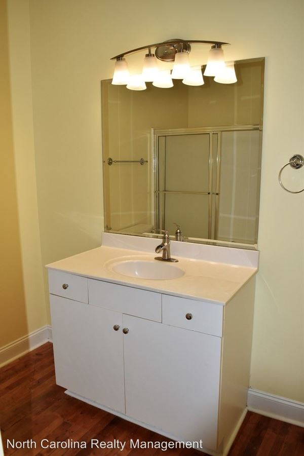 1 Bedroom 1 Bathroom Apartment for rent at 236-240 South Elm Street in Greensboro, NC