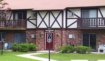 Maple Leaf Apartments Apartment for rent in Stoughton, WI