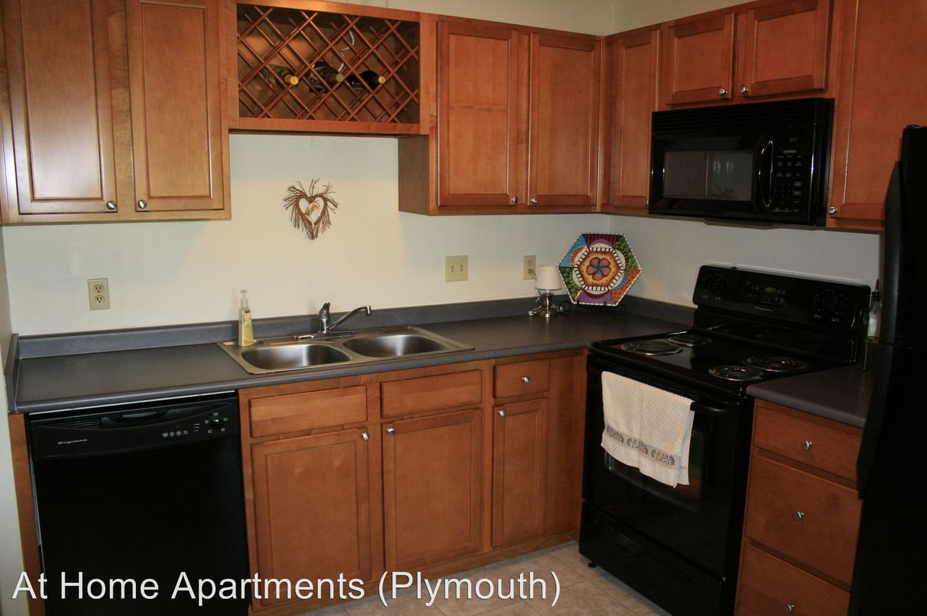 1 Bedroom 1 Bathroom Apartment for rent at 3900 Plymouth Blvd in Plymouth, MN