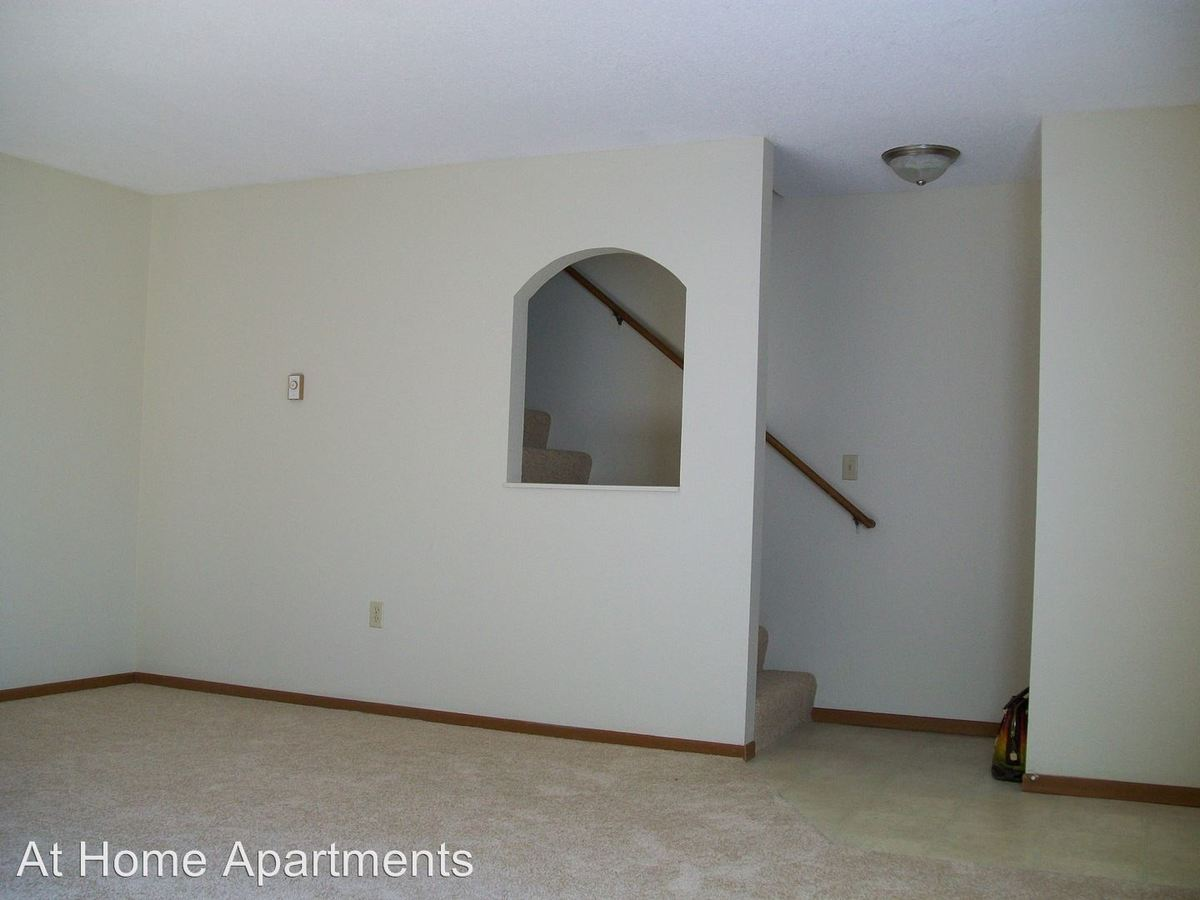 3 Bedrooms 1 Bathroom Apartment for rent at 14600 Shannon Pkwy in Rosemount, MN