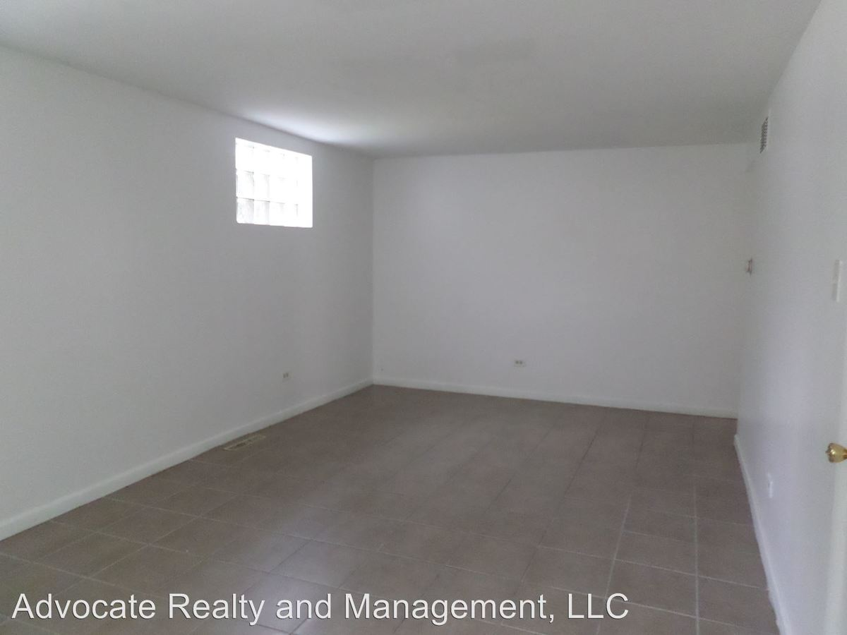 2 Bedrooms 1 Bathroom Apartment for rent at 14901 S. Cleveland Ave. in Posen, IL