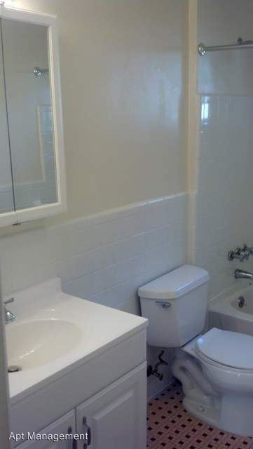 2 Bedrooms 1 Bathroom Apartment for rent at 201-203 Chester Pike in Ridley Park, PA