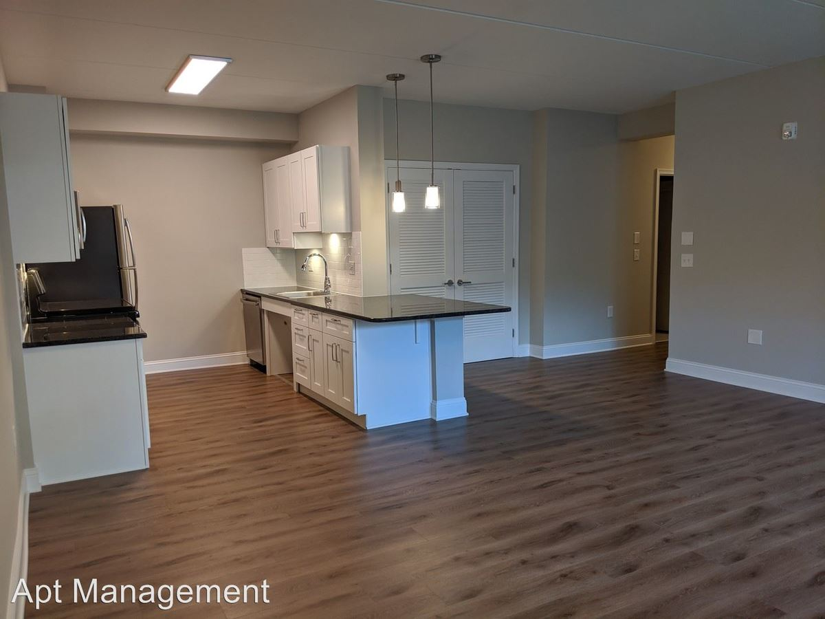 2 Bedrooms 1 Bathroom Apartment for rent at 313 Creek Drive in Radnor, PA