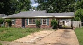 Similar Apartment at 1740 Merrycrest Dr Shelby County