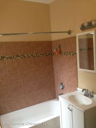 3 Bedrooms 1 Bathroom Apartment for rent at 7116 S. Vernon Ave. in Chicago, IL