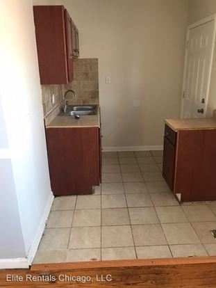 1 Bedroom 1 Bathroom Apartment for rent at 2700 04 E. 78th St. in Chicago, IL
