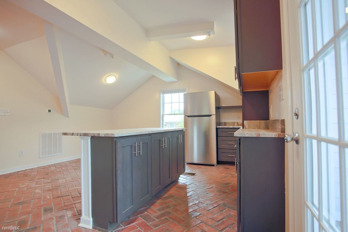 1 Bedroom 1 Bathroom Apartment for rent at 513/515 14th Street Nw in Charlottesville, VA