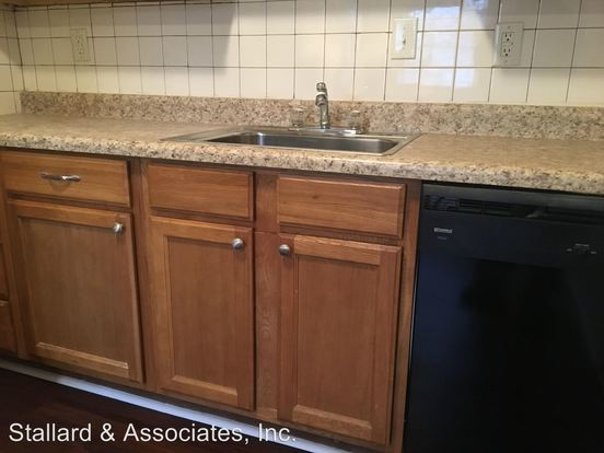 2 Bedrooms 1 Bathroom Apartment for rent at Shamrock Apartments 2430 East Kelly in Indianapolis, IN