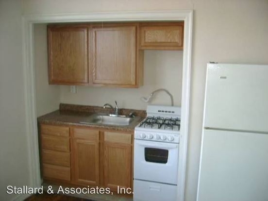 Studio 1 Bathroom Apartment for rent at Devonshire Apartments 412 N Alabama St. in Indianapolis, IN