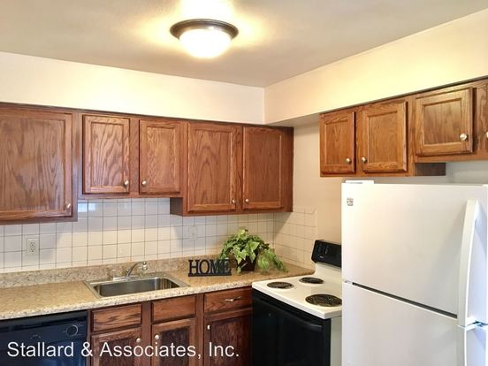 1 Bedroom 1 Bathroom Apartment for rent at Shamrock Apartments 2430 East Kelly in Indianapolis, IN