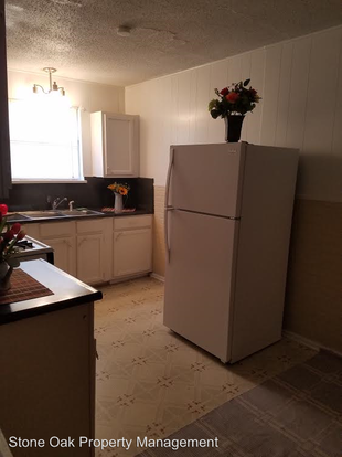 2 Bedrooms 1 Bathroom Apartment for rent at 1910 Escalon Ave in San Antonio, TX