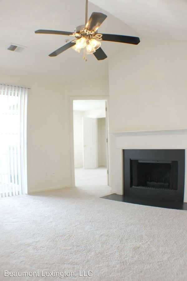2 Bedrooms 1 Bathroom Apartment for rent at 1101 Beaumont Centre Lane in Lexington, KY