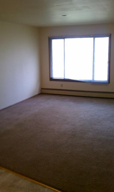 1 Bedroom 1 Bathroom Apartment for rent at 10023-25-27 W Appleton Ave in Milwaukee, WI