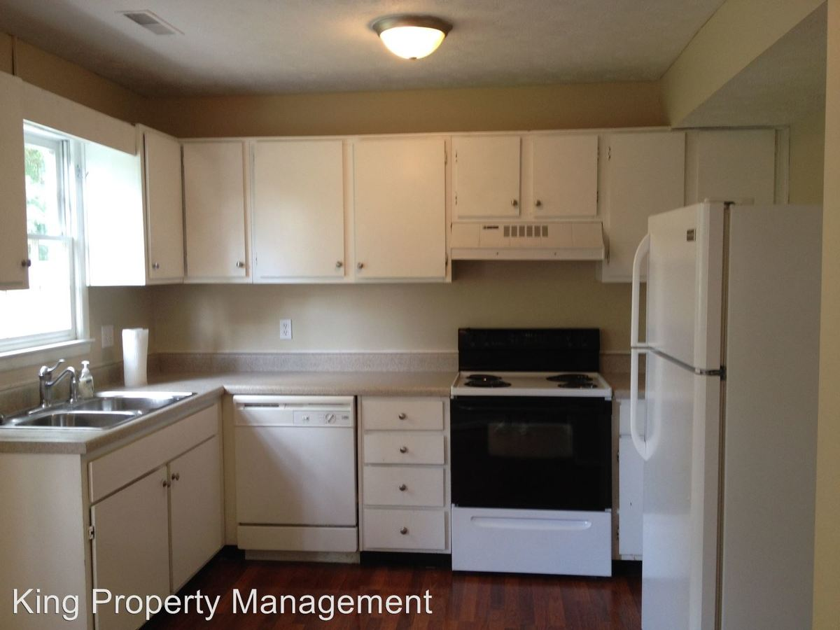 2 Bedrooms 1 Bathroom Apartment for rent at 5006 Buggy Lane in Anniston, AL