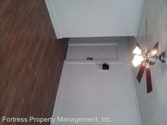 2 Bedrooms 1 Bathroom Apartment for rent at 1964 Nw Johnson in Portland, OR