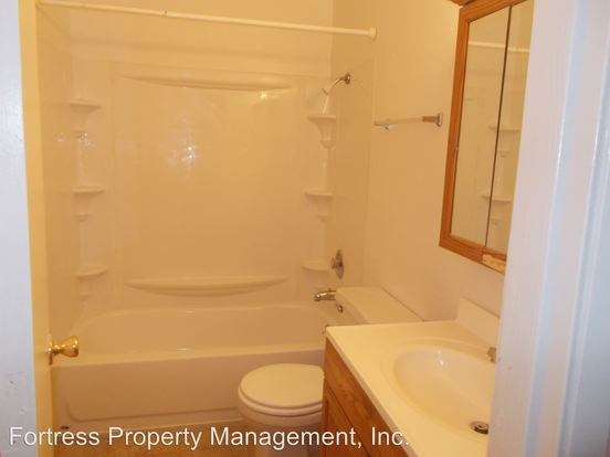2 Bedrooms 1 Bathroom Apartment for rent at 17446 Se Powell in Portland, OR