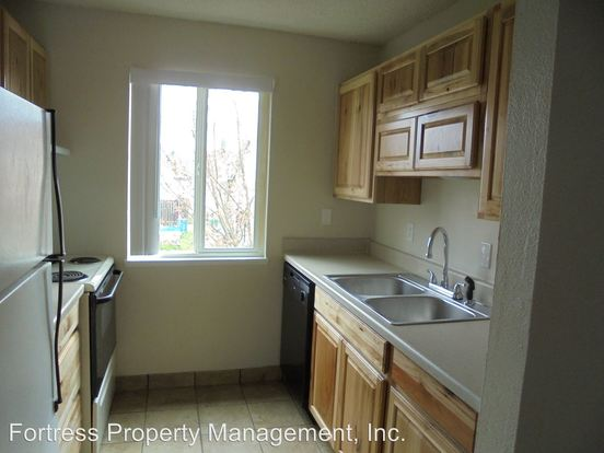 3 Bedrooms 1 Bathroom Apartment for rent at 17446 Se Powell in Portland, OR
