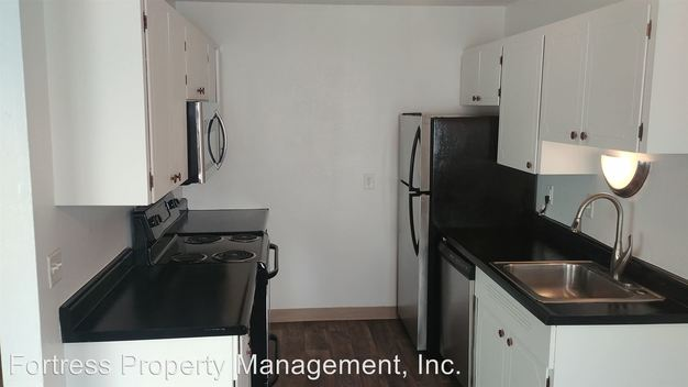 2 Bedrooms 1 Bathroom Apartment for rent at 4125 Se Cesar Chavez Blvd. in Portland, OR