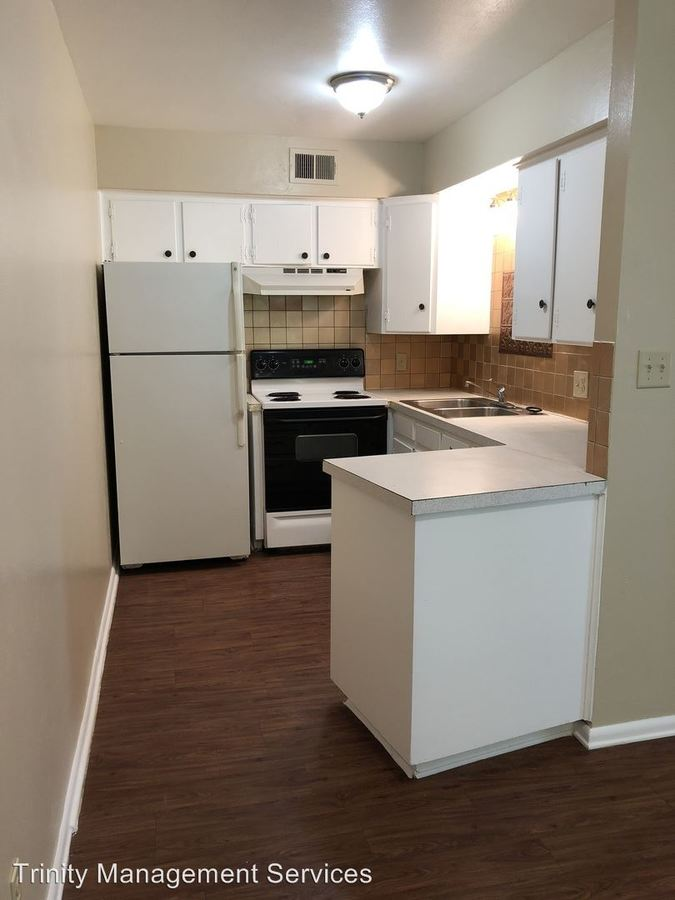 1 Bedroom 1 Bathroom Apartment for rent at 202 E Oak Street in Weatherford, TX