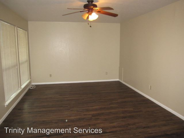 2 Bedrooms 1 Bathroom Apartment for rent at 202 E Oak Street in Weatherford, TX