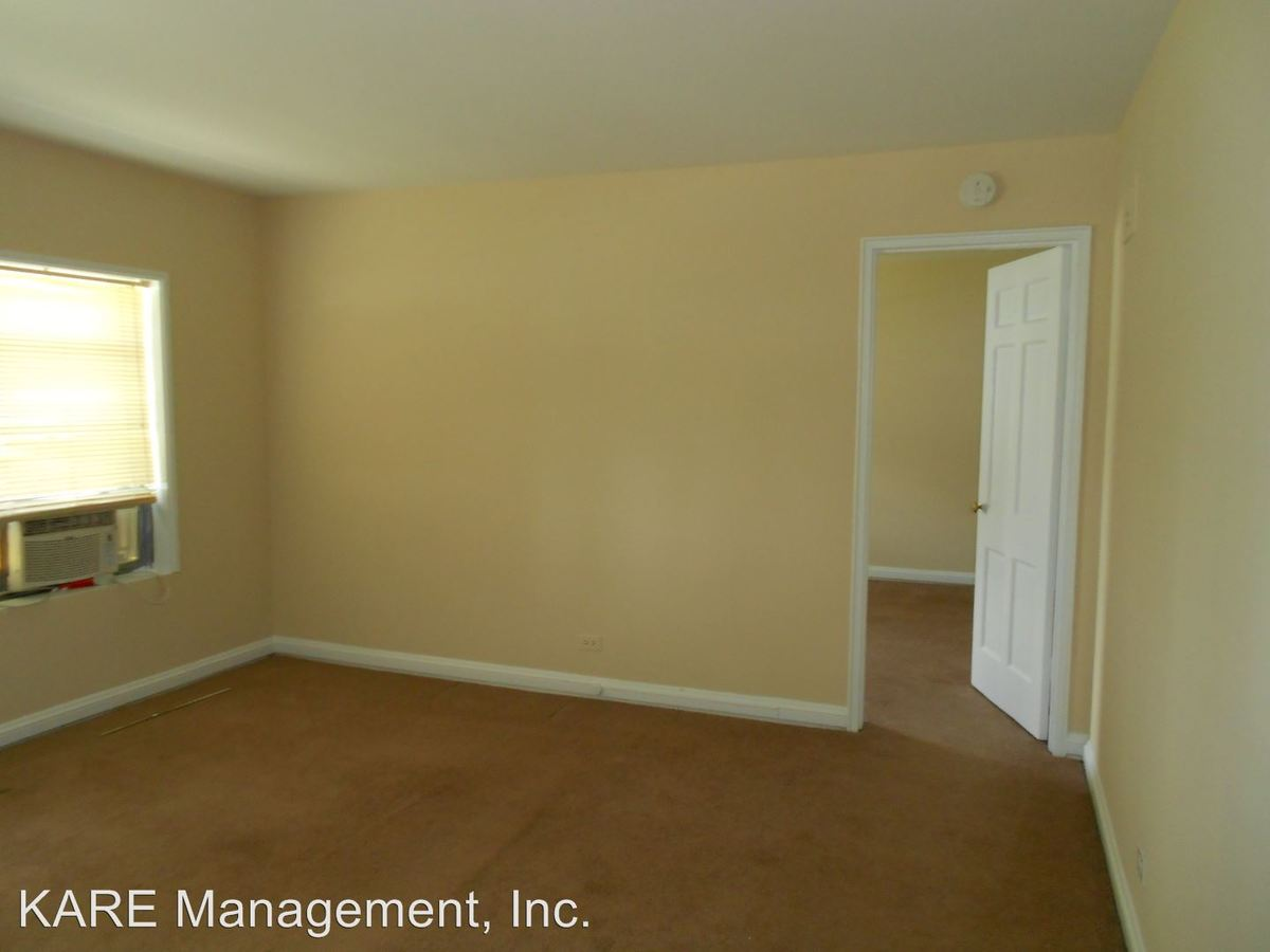 1 Bedroom 1 Bathroom Apartment for rent at Lake Bluff in Lake Bluff, IL