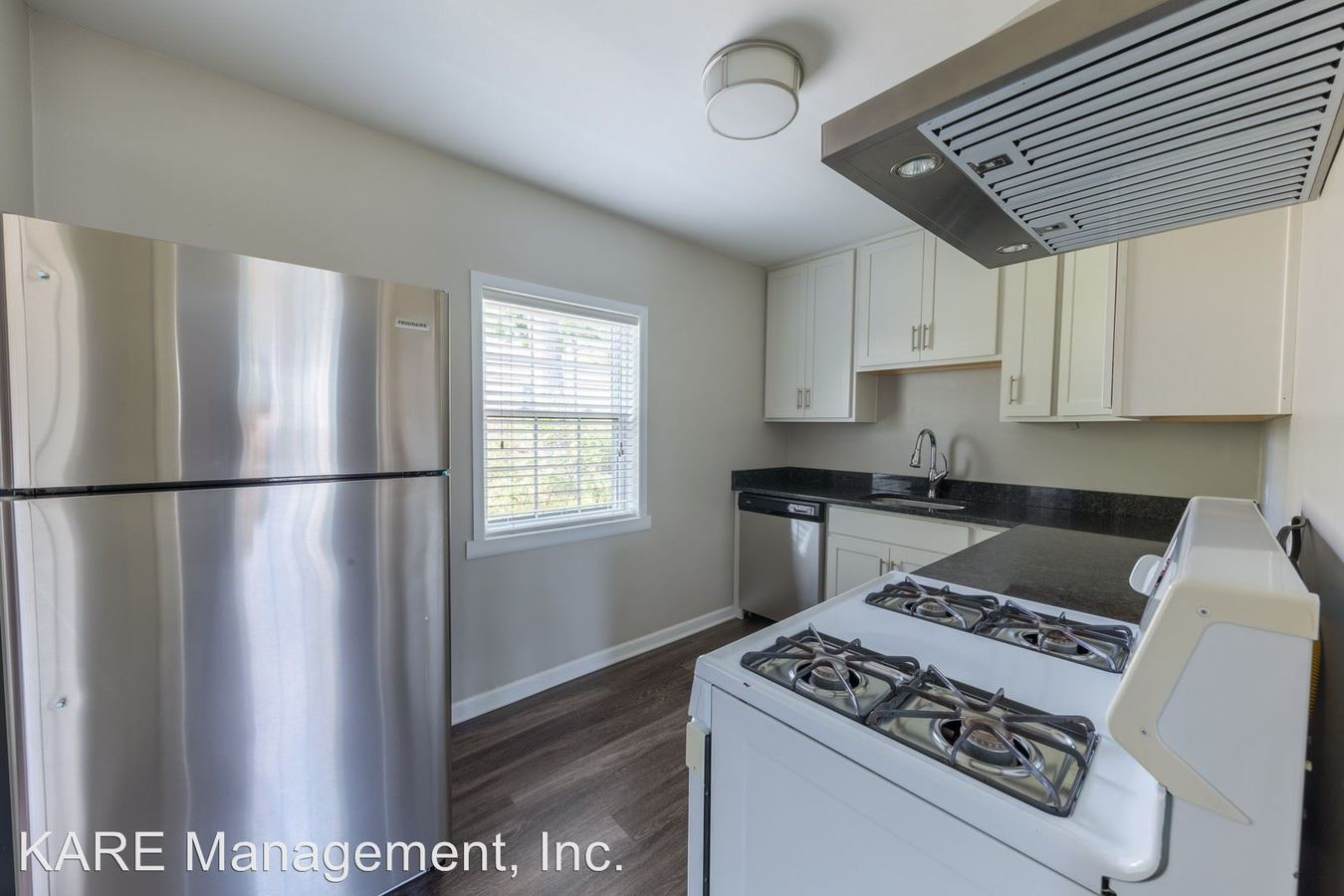 2 Bedrooms 1 Bathroom Apartment for rent at Lake Bluff in Lake Bluff, IL