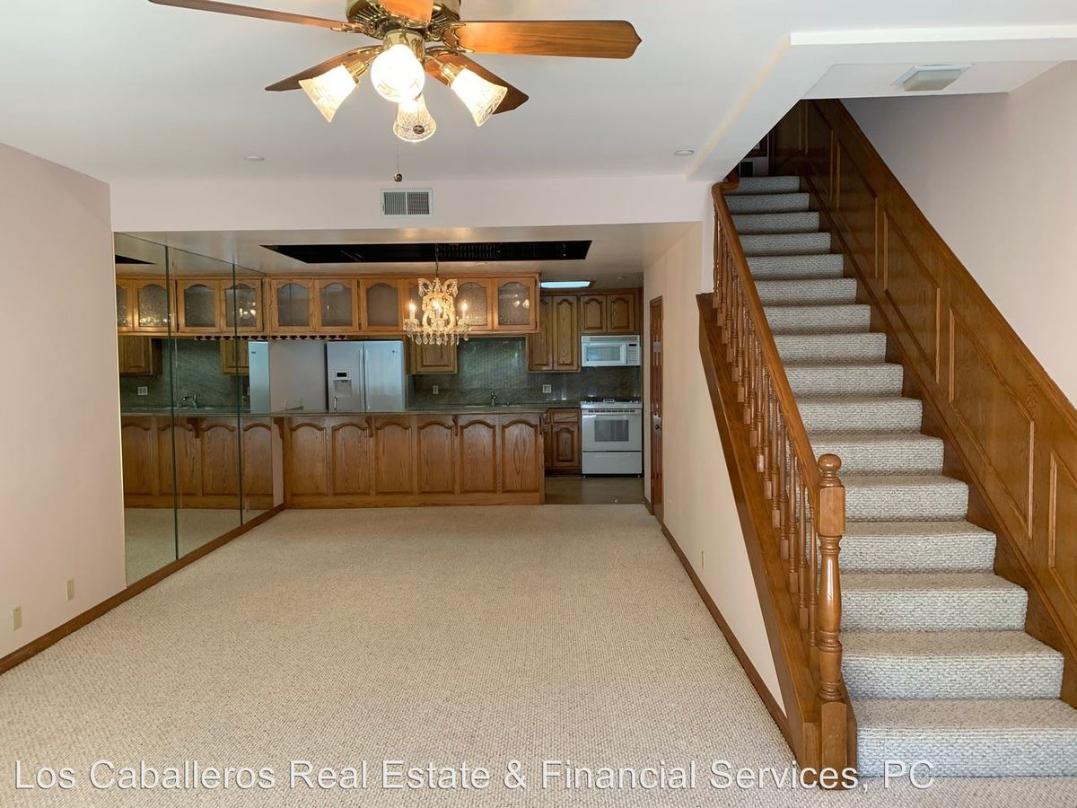 2 Bedrooms 2 Bathrooms Apartment for rent at 17200 Newhope St. #31 - #31 in Fountain Valley, CA