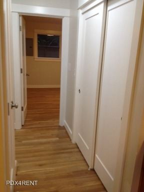 2 Bedrooms 1 Bathroom Apartment for rent at 6110 Se 52nd. Ave in Portland, OR
