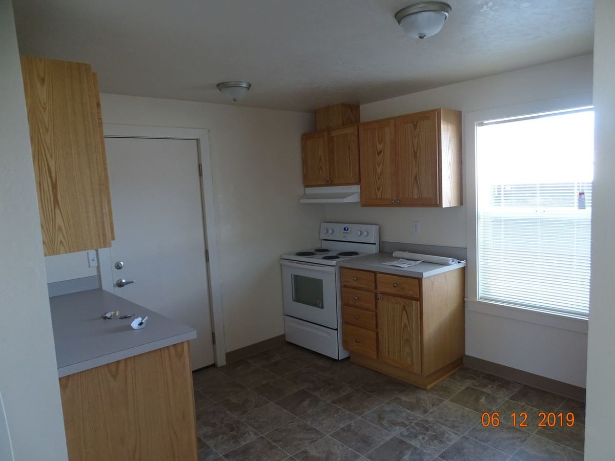 3 Bedrooms 1 Bathroom Apartment for rent at 771 W 7th Ave in Eugene, OR
