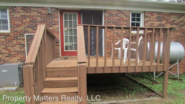 3 Bedrooms 1 Bathroom Apartment for rent at 1125 W Fifth Ave in Gastonia, NC