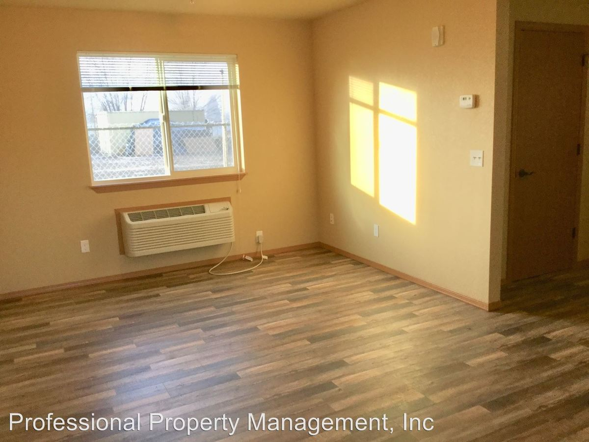 2 Bedrooms 1 Bathroom Apartment for rent at 1647 Shindig Dr in Missoula, MT