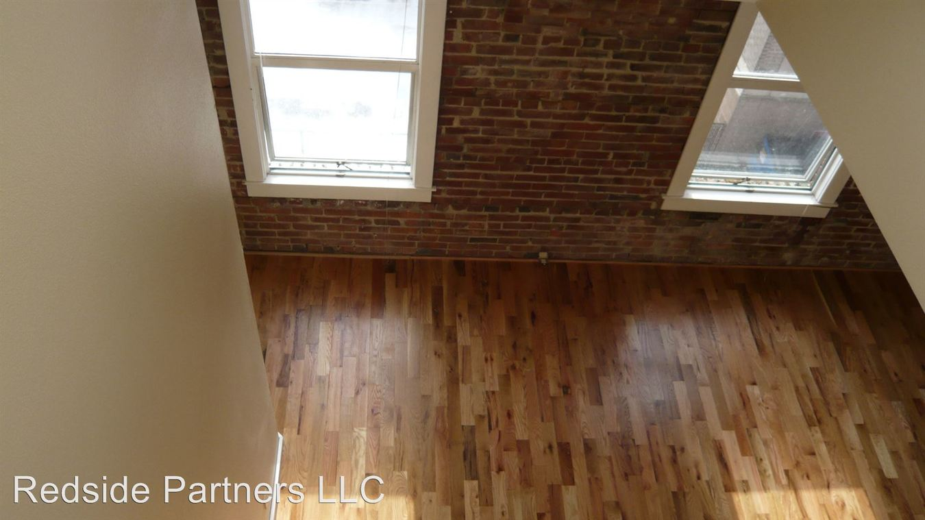 1 Bedroom 1 Bathroom Apartment for rent at 5443 Ballard Ave Nw in Seattle, WA