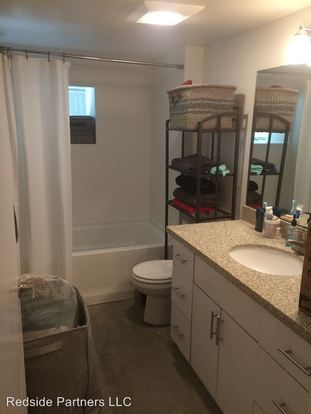 Studio 1 Bathroom Apartment for rent at 527 1st Ave N in Seattle, WA